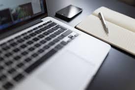 Gambar : Laptop, Iphone, buku catatan, Macbook, penulisan, Keyboard,  teknologi, putih, pena, Notepad, blogging, merek, Desain, lepas, papan  ketik komputer, komputer pribadi, hardware komputer pribadi 5472x3648 - -  987538 - Galeri Foto - PxHere