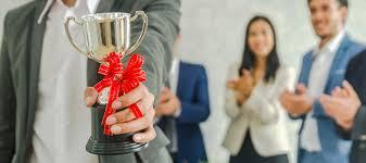 Pemberian Penghargaan Bagi Karyawan Sebagai Bentuk Apresiasi | Sleekr